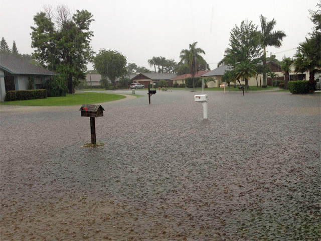 WPTV-flooding-south-florida-flood-water_20130608124538_640_480